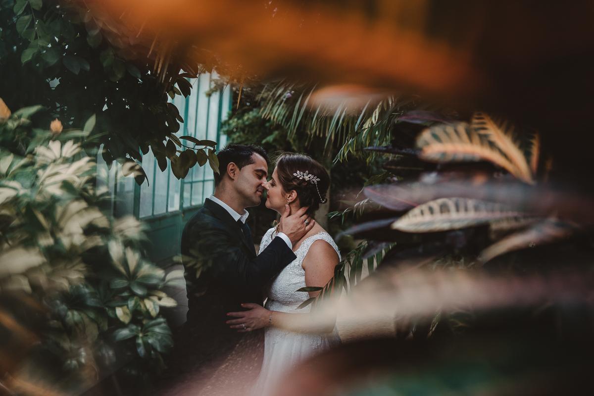 birdy bandit mariage photographe paris serres d auteuil passerelle debilly 14 - Séance mariage Day After au jardin botanique des Serres D'Auteuil de Paris