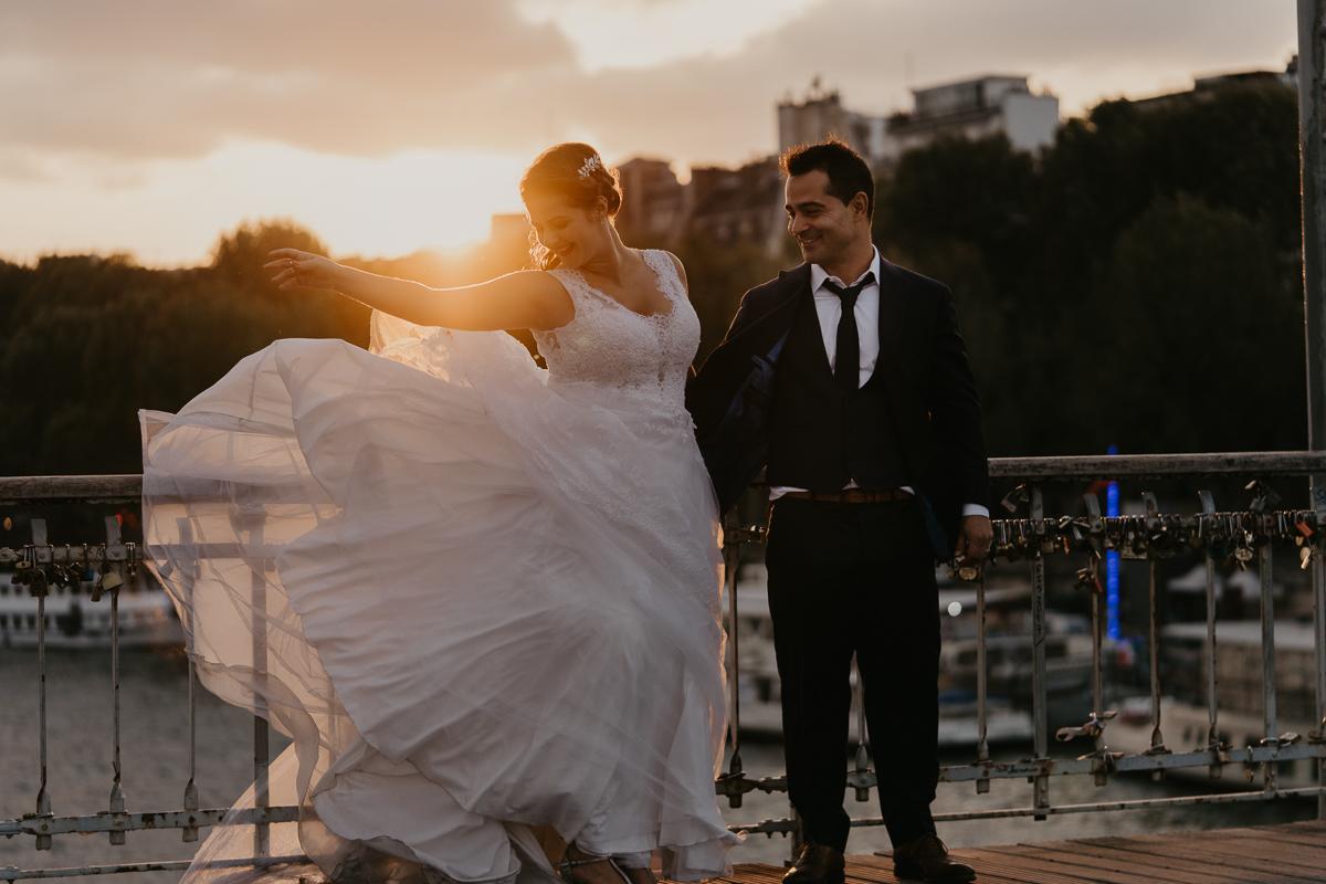 birdy bandit mariage photographe paris serres d auteuil passerelle debilly 16 - Séance mariage Day After au jardin botanique des Serres D'Auteuil de Paris