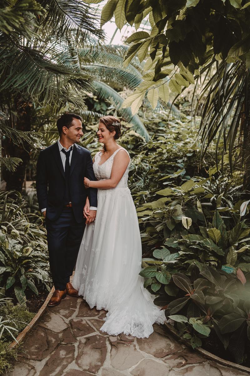 birdy bandit mariage photographe paris serres d auteuil passerelle debilly 21 - Séance mariage Day After au jardin botanique des Serres D'Auteuil de Paris