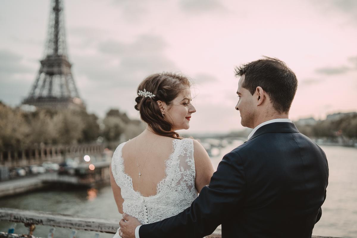 birdy bandit mariage photographe paris serres d auteuil passerelle debilly 24 - Séance mariage Day After au jardin botanique des Serres D'Auteuil de Paris