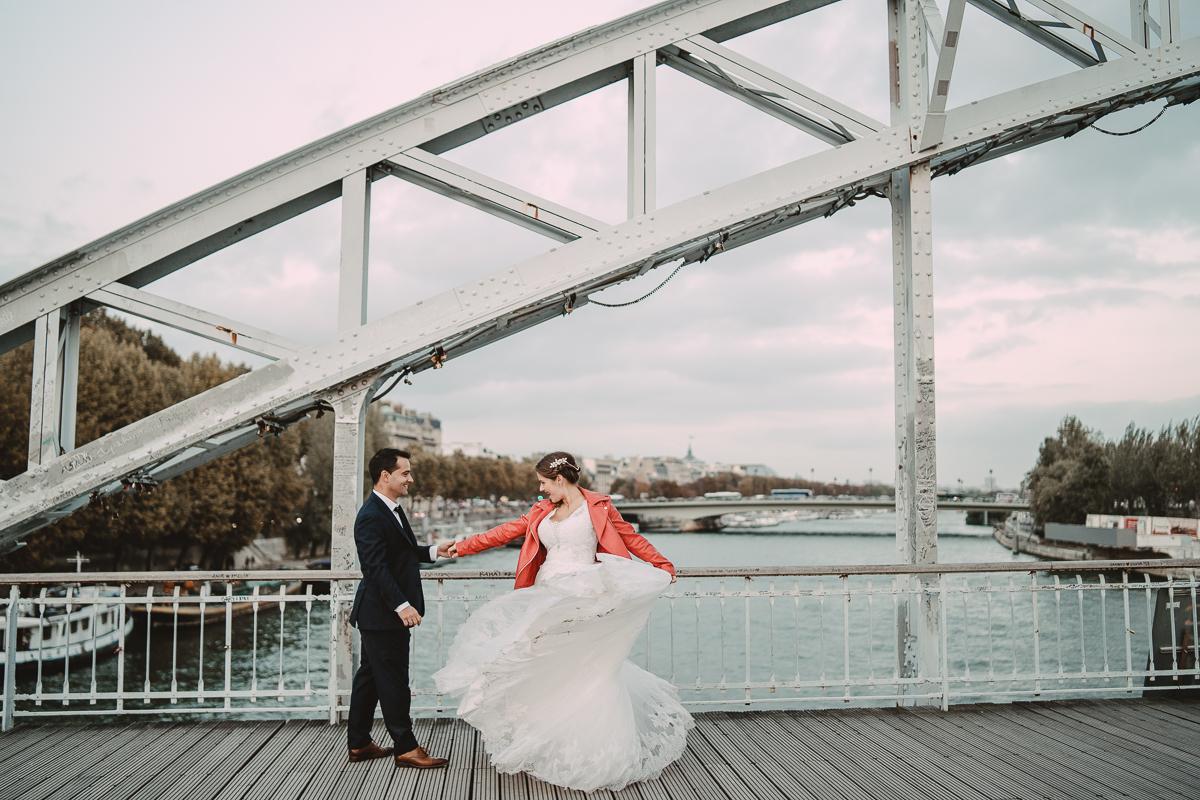birdy bandit mariage photographe paris serres d auteuil passerelle debilly 25 - Séance mariage Day After au jardin botanique des Serres D'Auteuil de Paris