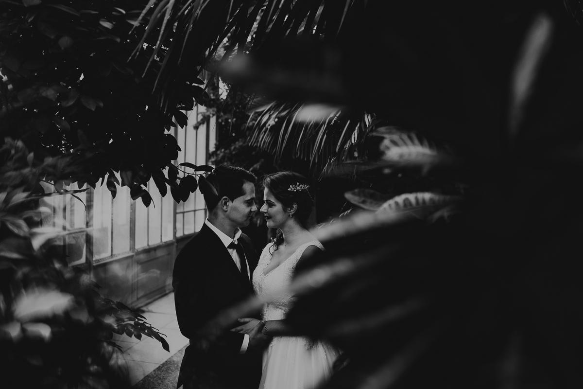birdy bandit mariage photographe paris serres d auteuil passerelle debilly 7 - Séance mariage Day After au jardin botanique des Serres D'Auteuil de Paris