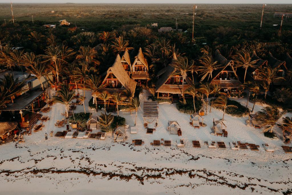 Elopement Cancun et tulum se marier à l'étranger mariage bohème
