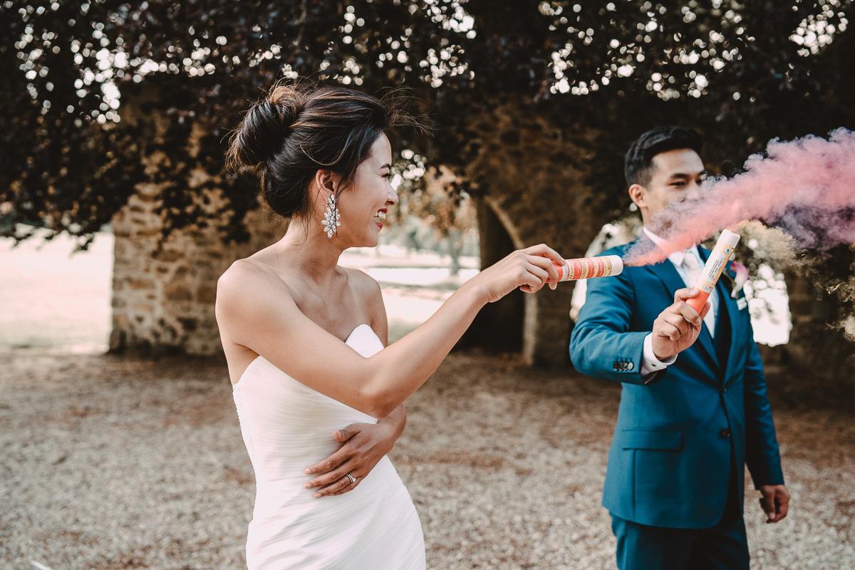 mariage abbaye vaux cernay photographe videaste ile france paris domaine moine salle wedding mariee marie destination photo fumigene