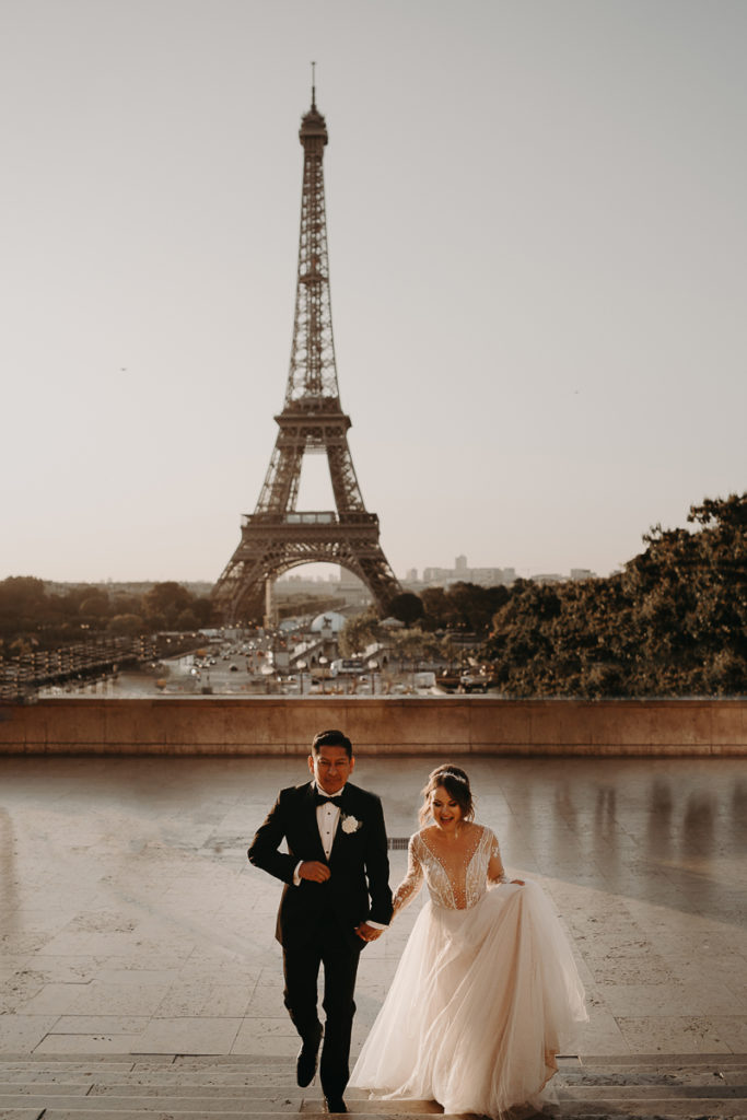 LaureneAndTheWolf montmartre tour eiffel Paris 14 1 683x1024 - Elopement à Paris - shooting Tour Eiffel, Montmartre, FR