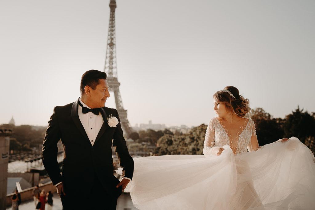LaureneAndTheWolf montmartre tour eiffel Paris 16 1 1024x683 - Elopement à Paris - shooting Tour Eiffel, Montmartre, FR