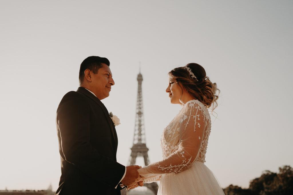 LaureneAndTheWolf montmartre tour eiffel Paris 18 1 1024x683 - Elopement à Paris - shooting Tour Eiffel, Montmartre, FR