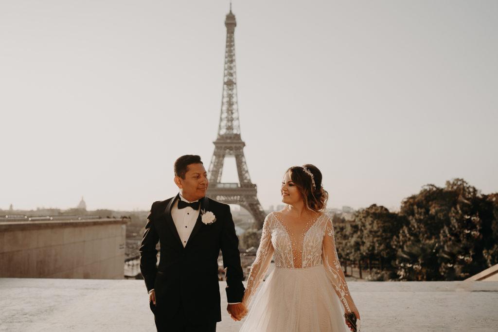 LaureneAndTheWolf montmartre tour eiffel Paris 23 1 1024x683 - Elopement à Paris - shooting Tour Eiffel, Montmartre, FR