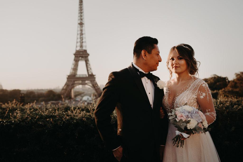 LaureneAndTheWolf montmartre tour eiffel Paris 5 1 1024x683 - Elopement à Paris - shooting Tour Eiffel, Montmartre, FR