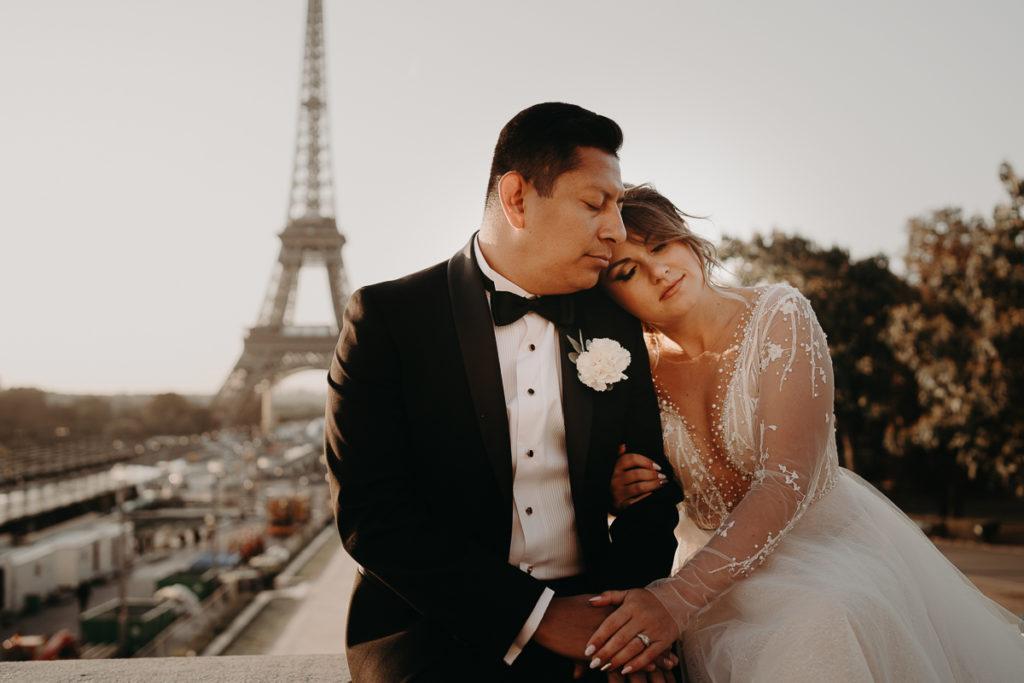 LaureneAndTheWolf montmartre tour eiffel Paris 9 1 1024x683 - Elopement à Paris - shooting Tour Eiffel, Montmartre, FR
