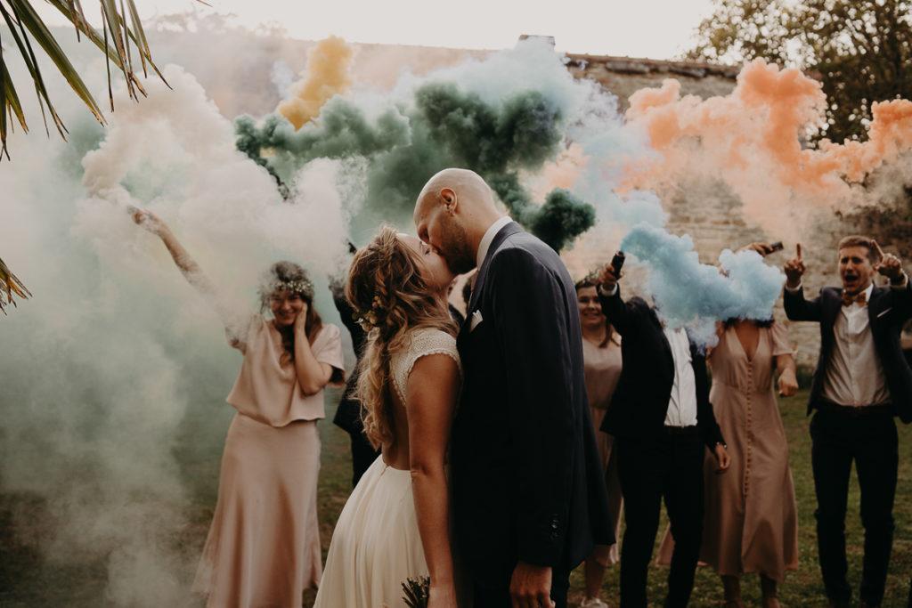 laurene and the wolf fumigenes smoke bombs 19 1024x683 - Fumigènes de couleur pour votre mariage