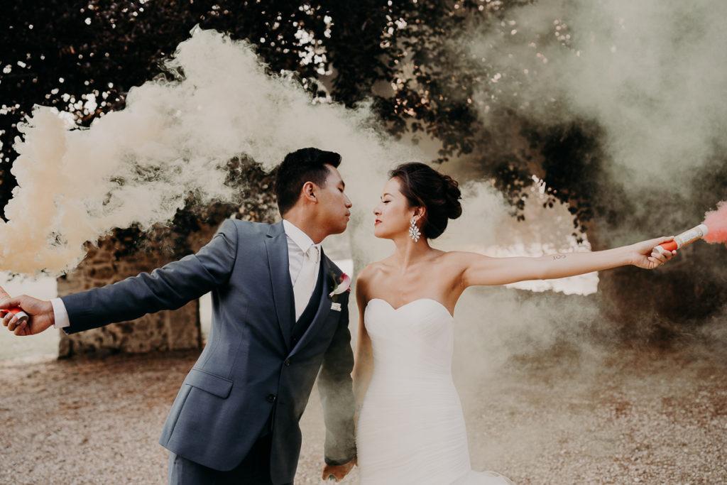 laurene and the wolf fumigenes smoke bombs 2 1 1024x683 - Fumigènes de couleur pour votre mariage