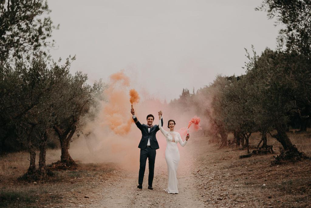 laurene and the wolf fumigenes smoke bombs 23 1024x683 - Fumigènes de couleur pour votre mariage