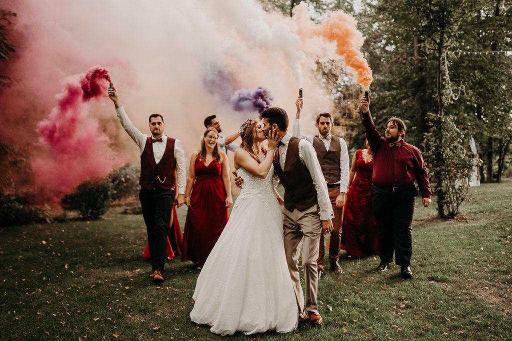 laurene and the wolf fumigenes smoke bombs 25 1024x683 - Fumigènes de couleur pour votre mariage