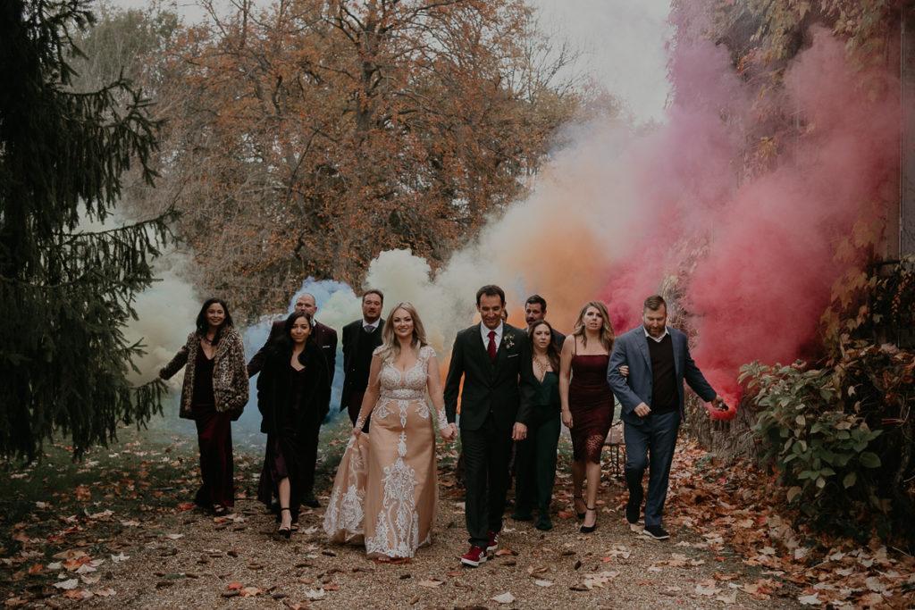 laurene and the wolf fumigenes smoke bombs 27 1024x683 - Fumigènes de couleur pour votre mariage