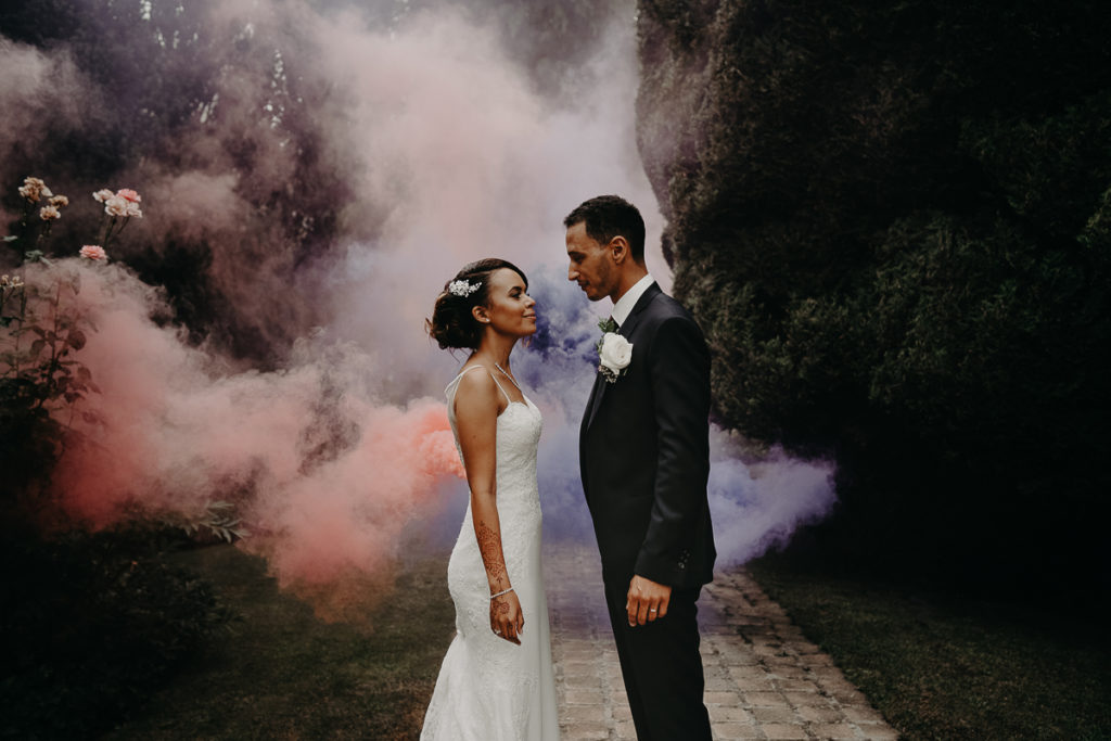 laurene and the wolf fumigenes smoke bombs 29 1024x683 - Fumigènes de couleur pour votre mariage