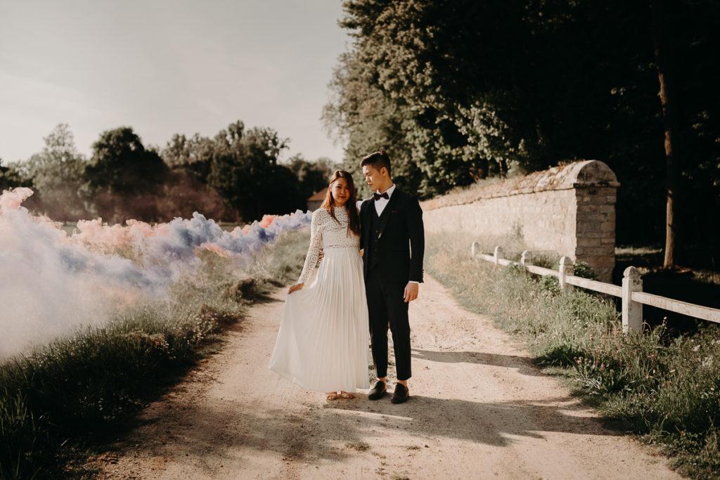 laurene and the wolf fumigenes smoke bombs 5 1024x683 - Fumigènes de couleur pour votre mariage