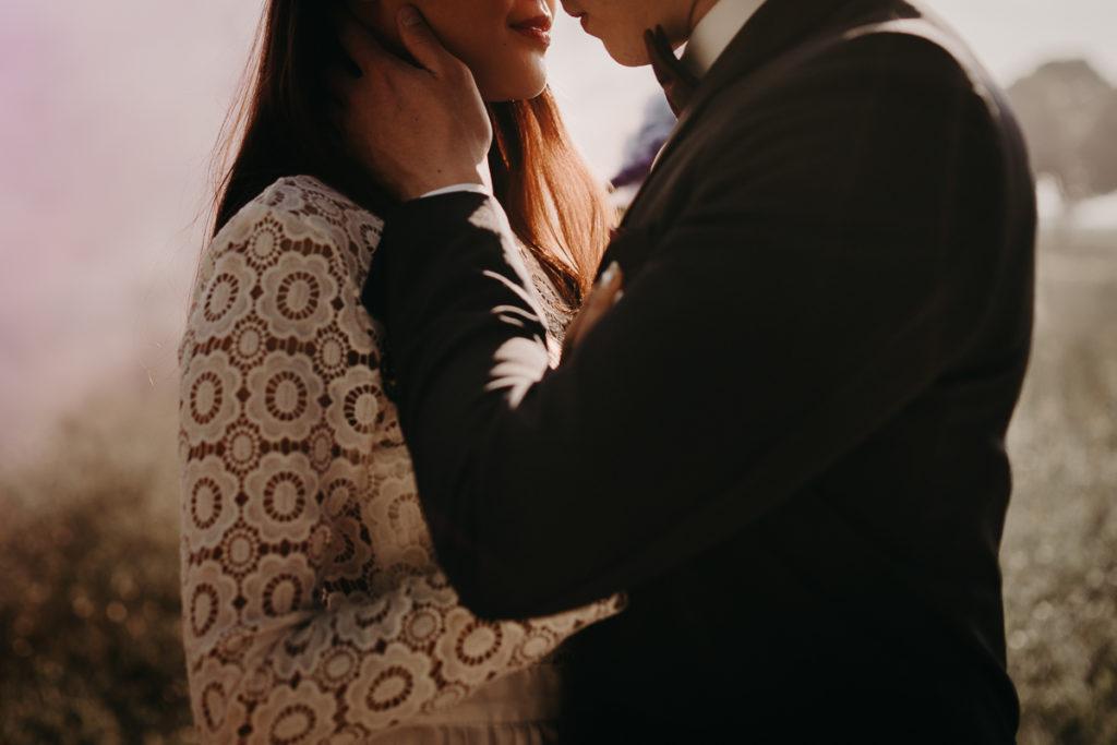 laurene and the wolf fumigenes smoke bombs 7 1024x683 - Fumigènes de couleur pour votre mariage