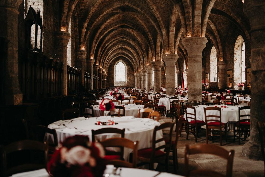 laurene and the wolf abbaye des vaux de cernay 21 1024x683 - Les plus beaux lieux de réception mariage en Ile de France et à Paris