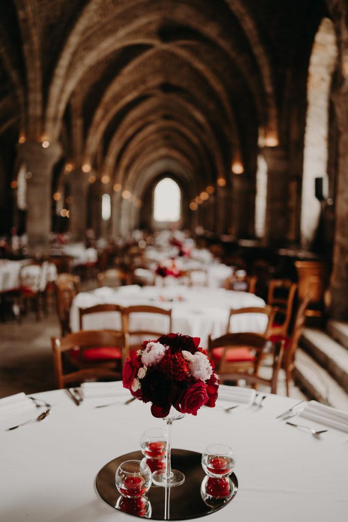 laurene and the wolf abbaye des vaux de cernay 29 683x1024 - Mariage à l'Abbaye des Vaux de Cernay : Alice et Simon
