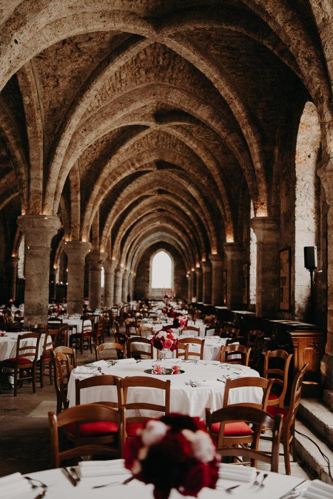 laurene and the wolf abbaye des vaux de cernay 30 683x1024 - Les plus beaux lieux de réception mariage en Ile de France et à Paris