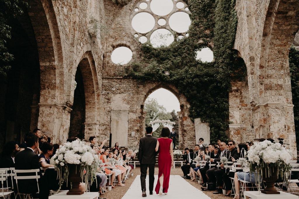 laurene and the wolf abbaye des vaux de cernay 42 1024x683 - Les plus beaux lieux de réception mariage en Ile de France et à Paris