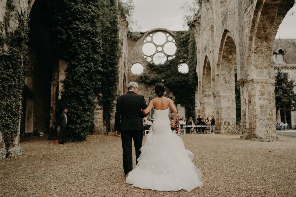laurene and the wolf abbaye des vaux de cernay 48 1024x683 - Les plus beaux lieux de réception mariage en Ile de France et à Paris