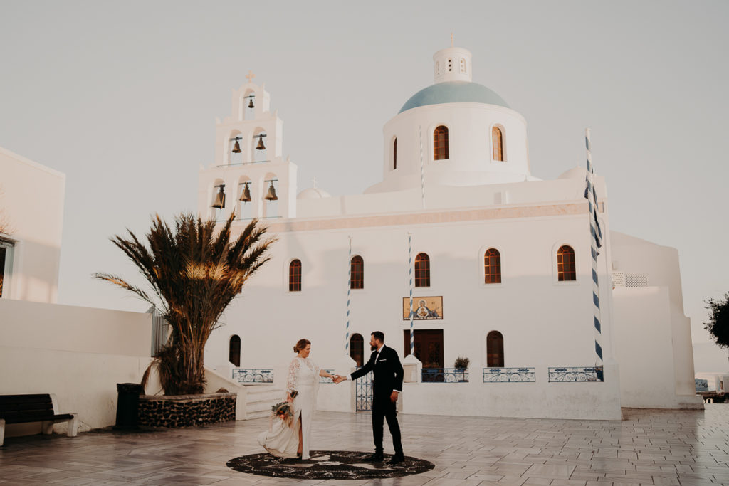 laurene and the wolf elopement santorin julia and evita 173 1024x683 - Santorini elopement : Katie + James