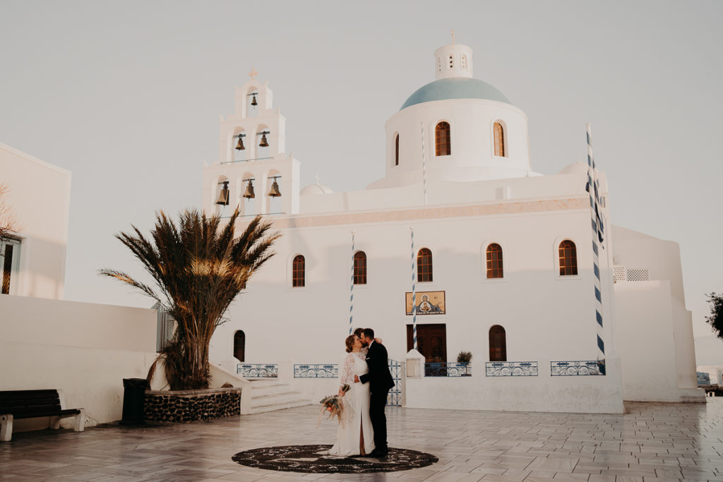 laurene and the wolf elopement santorin julia and evita 174 1024x683 - Santorini elopement : Katie + James