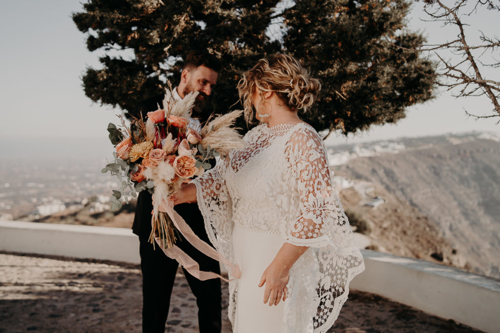 laurene and the wolf elopement santorin julia and evita 58 1 1024x683 - Santorini elopement : Katie + James