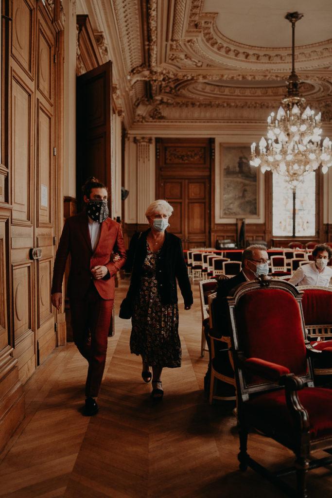 mariage paris urbain boheme 181 683x1024 - Mariage bohème et urbain à Paris