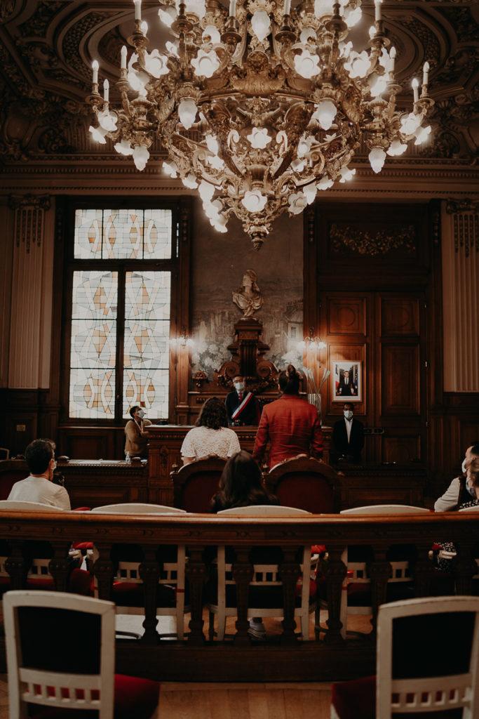 mariage paris urbain boheme 202 683x1024 - Mariage bohème et urbain à Paris