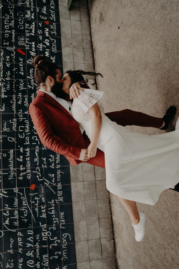mariage paris urbain boheme 287 683x1024 - Mariage bohème et urbain à Paris